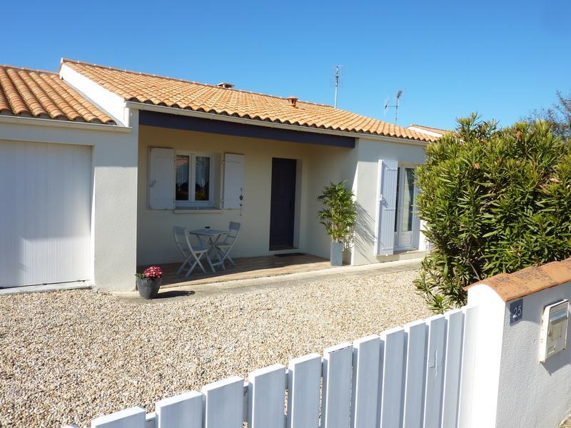 Maison de bord de mer à l'ile d'Oleron, holiday rental in La Bree-les-Bains