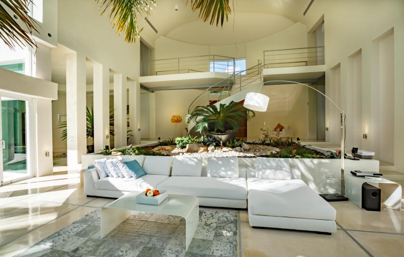 Villa Aqua living room