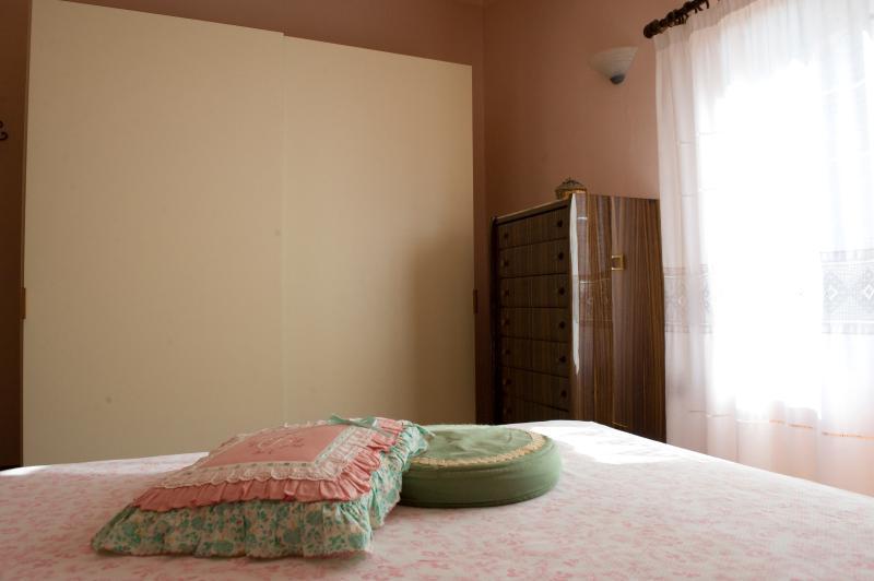 Camera rosa matrimoniale