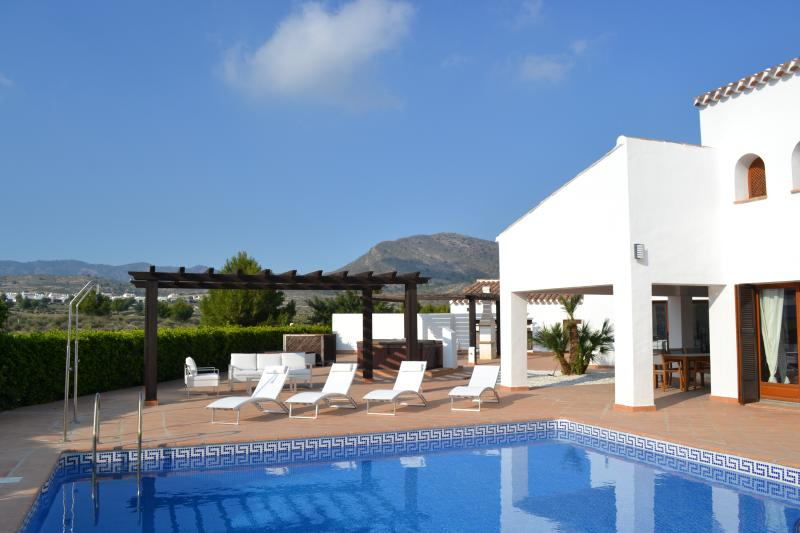 5 Star luxury frontline golf villa close to Clubhouse, first tee and all facilities.