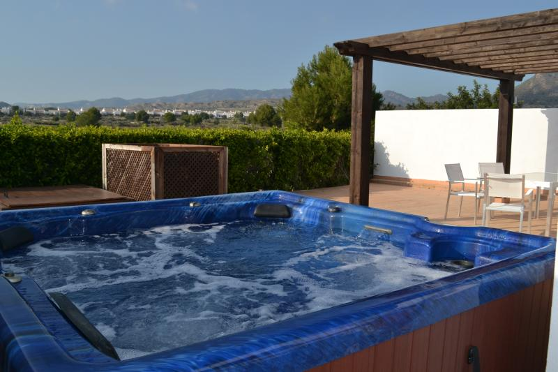 Relaxe no jacuzzi a