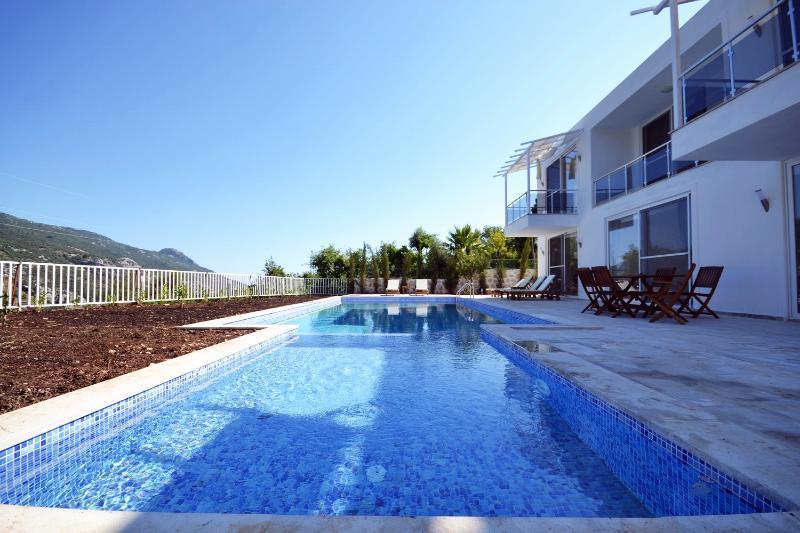 WhiteStone, holiday rental in Islamlar