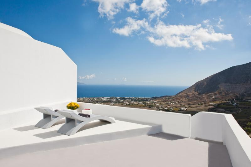 Semeli Cave House, holiday rental in Exo Gonia
