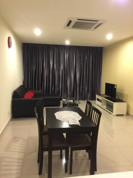 E Home 3 Rooms B-09-10 @ KL Festival City Mall, vacation rental in Batu Caves