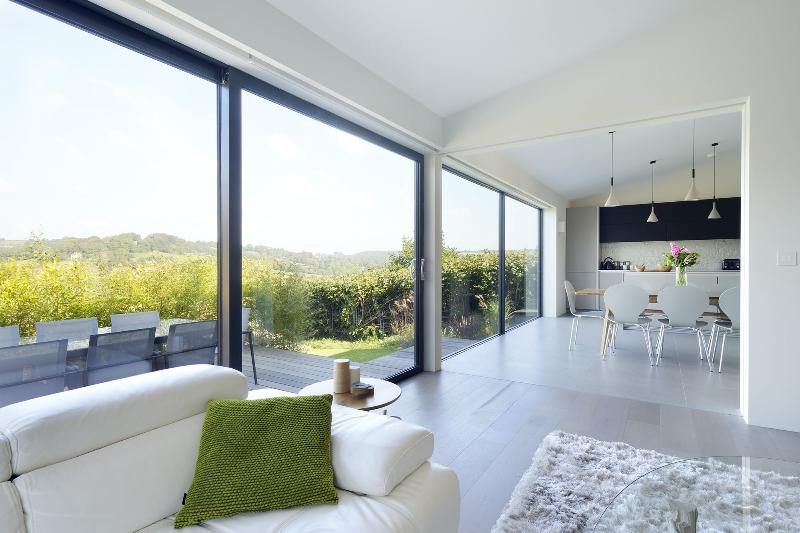 Luxurious contemporary house, stunning views, vacation rental in Lyme Regis