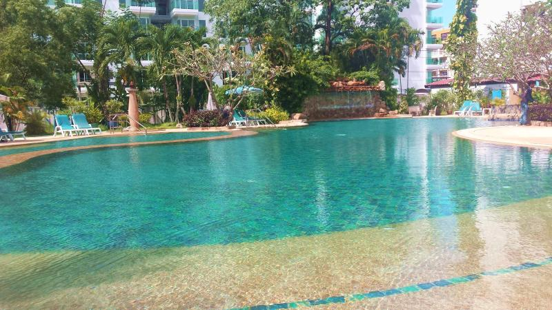 Phuket Palace: renovated apart, holiday rental in Patong