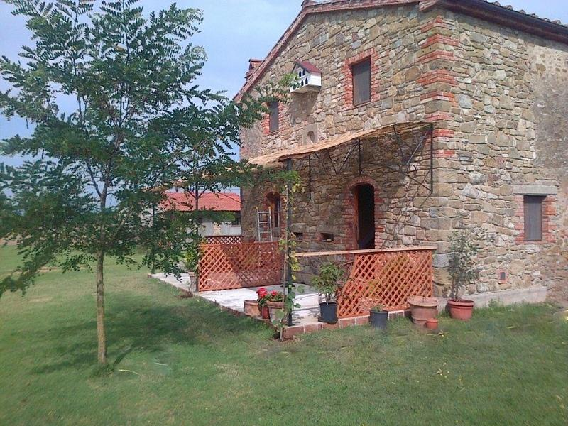 Cottage for 2 in the grounds of a farmhouse-Pool, holiday rental in Montagnano