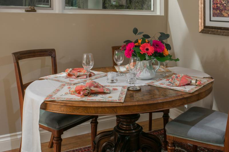 Enjoy fine Dining for 4. 'Bon Appetite!'