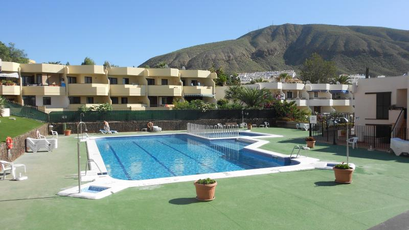 Lovely Setting with large Pool and kids Pool in foreground