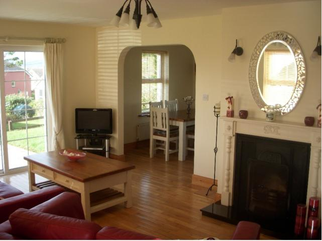 House Overlooking The Beautiful Ballinskelligs Bay, holiday rental in Waterville