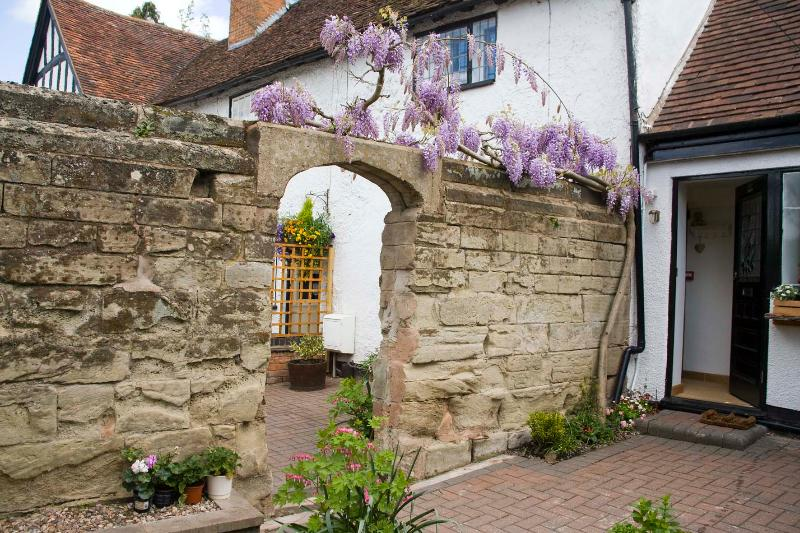Daisy Cottage is located next to our B&B. Park Cottage at the entrance to Warwick Castle