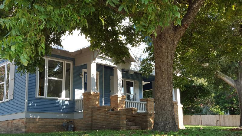 Brenham Craftsman Charmer, holiday rental in Brenham