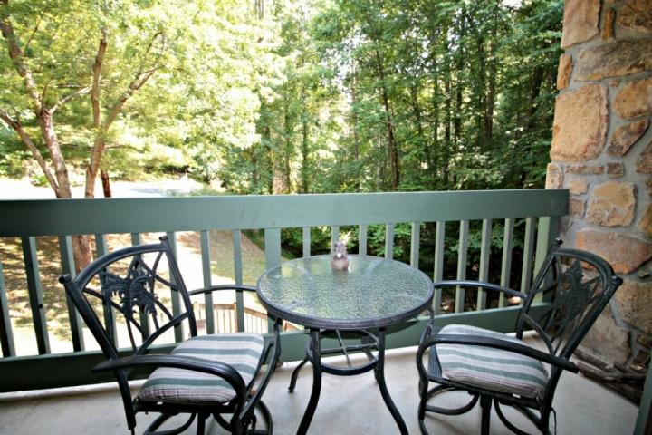 Relax*154 Village Stream~Couples Getaway *FREE FUN-See description* Couples geta, vacation rental in Gatlinburg