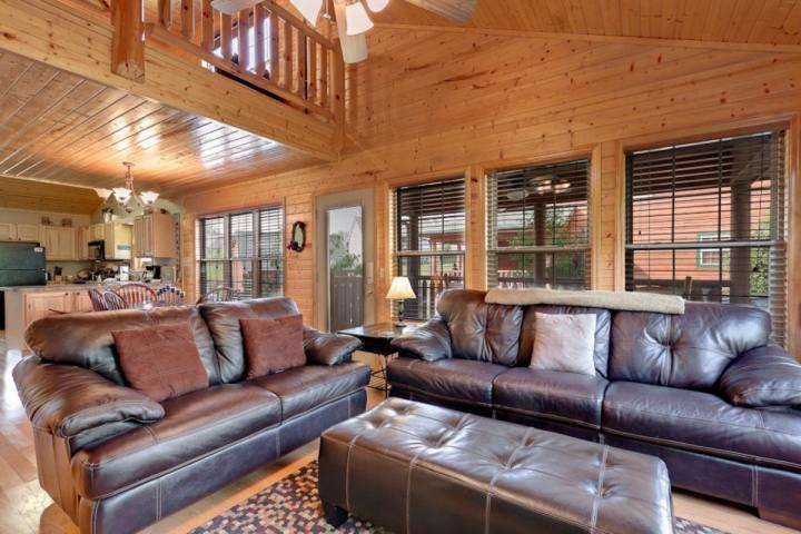 Welcome to Cajun Cabin! Full of plenty of comfortable furniture and space to entertain all your guests!