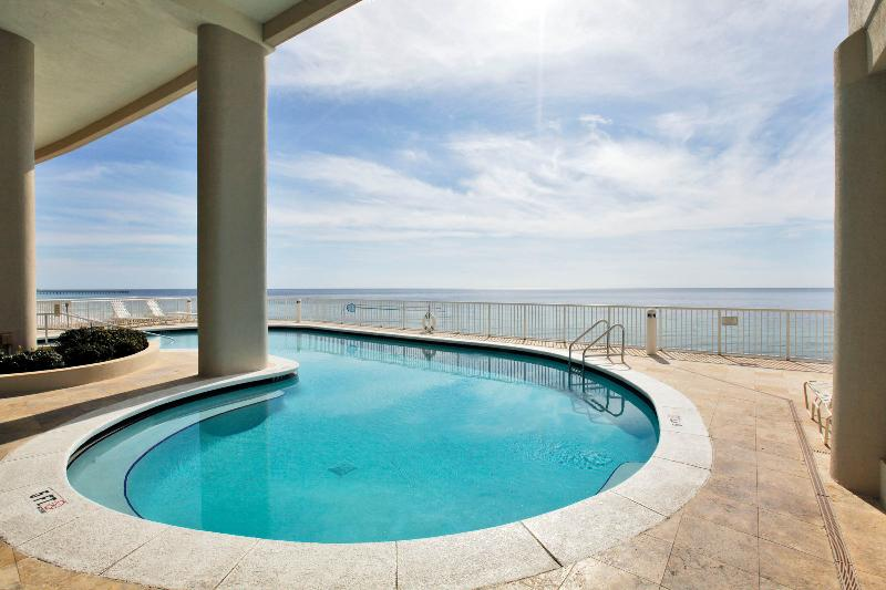 Elevated Tropical Gulf Front Pool