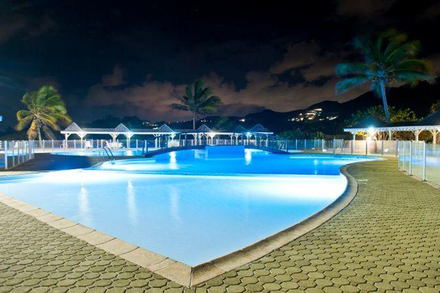 12-Orientbeachstudio-Swimming pool (small pool by night)