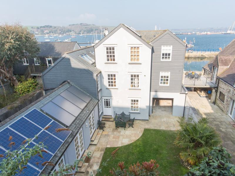 Nightingale Mews sits behind Nightingale House just off Falmouth waterfront