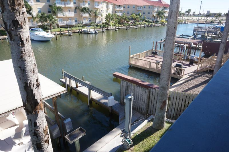 THE ISLAND GETAWAY 3B 2B Two story condo for rent/lease in Corpus Christi, Tx, vacation rental in Corpus Christi