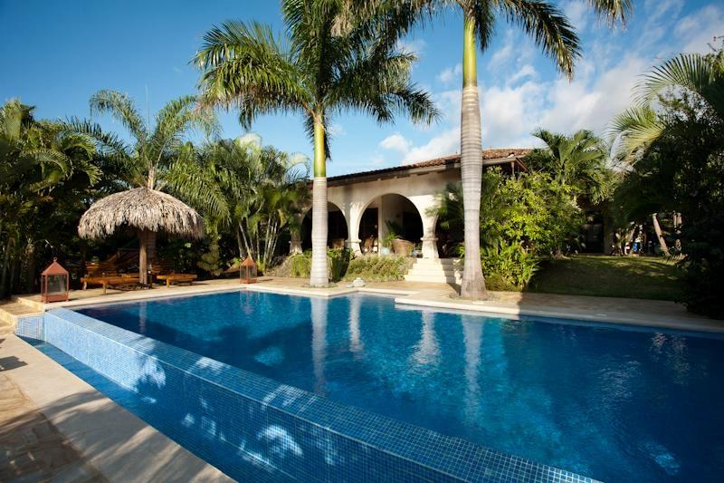 Luxury villa with housekeeping and infinity pool – semesterbostad i Playa Azul