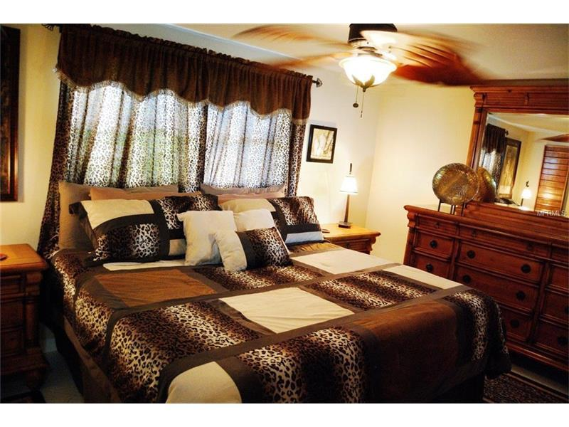 Psalm139VacationRental (Canal Front Beach House), holiday rental in Trinity