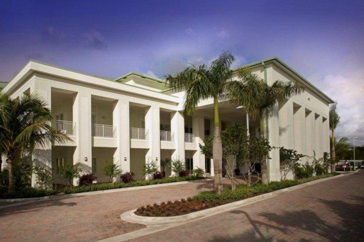 The Provident Doral at the Blue Miami offers luxury accommodations at affordable prices.