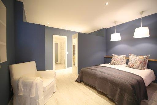 Suite's bedroom.