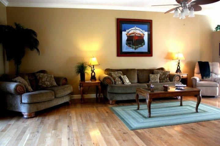 Huge comfortable living room