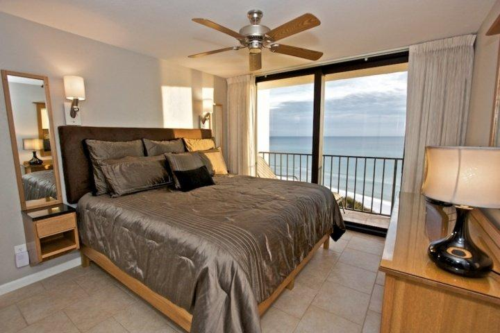 Master Bedroom with King Sized Bed and incredible Gulf Views