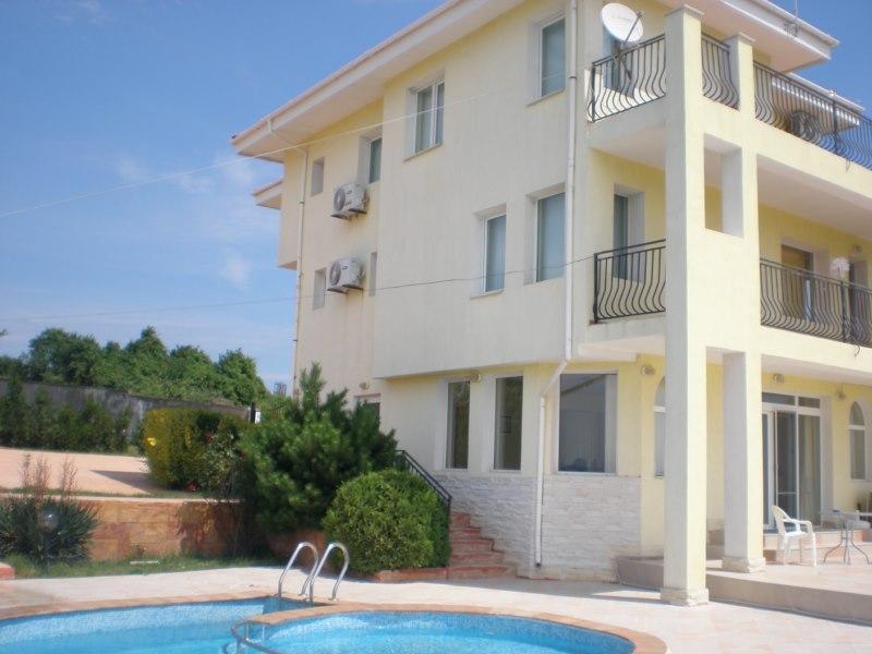 House for rent in Byala on the sea, region Varna, holiday rental in Shkorpilovtsi