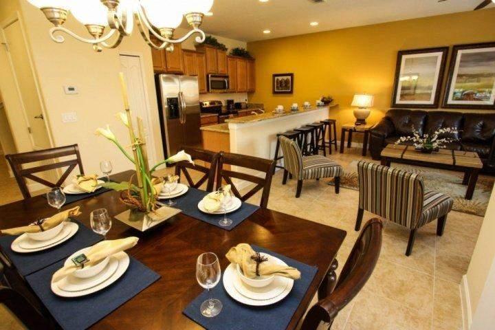 Aprire zona pranzo, cucina & Living Area w Accesso / Pool