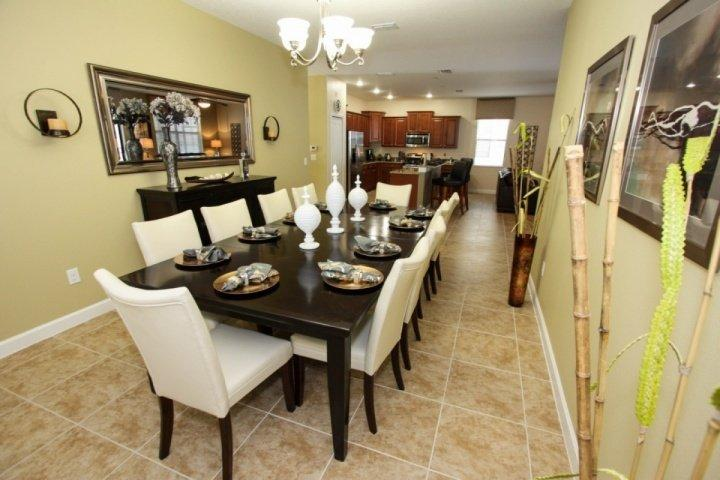 Enormous dining table. Comfortable seating for 10 guests!