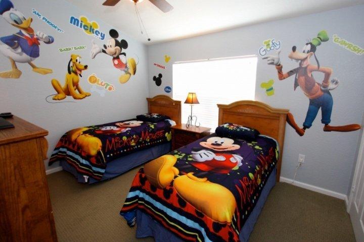 Fun Twin 'Disney' Room w/Flat Screen TV