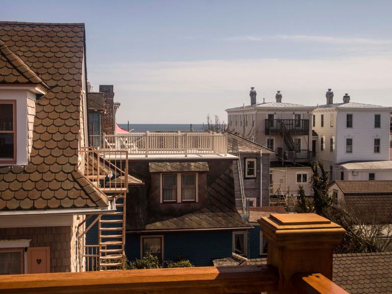 Private Ocean View Roof Deck