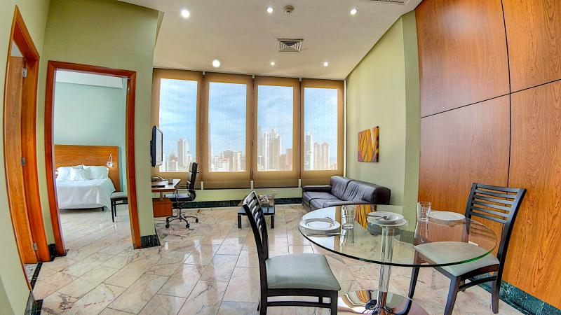 Resort like living, full service (El Cangrejo), holiday rental in Panama City