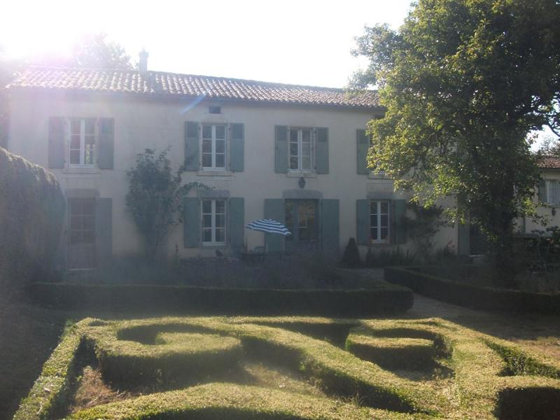La Vielle Cure de Scille, vacation rental in Coulonges sur l'Autize