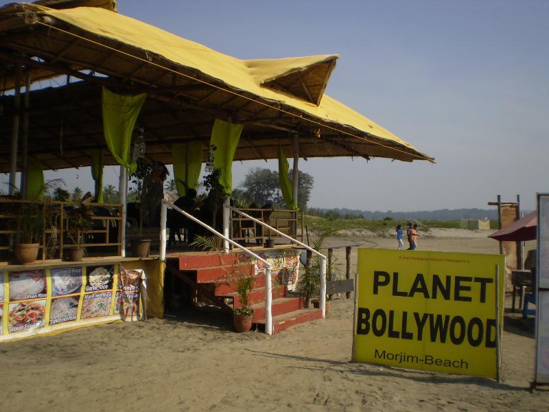 Morjim es famoso por sus cabañas de playa.