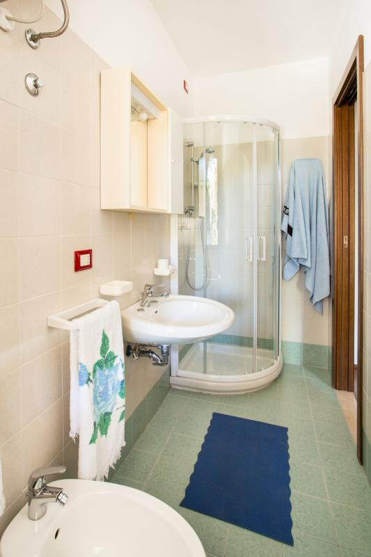 salle de bains app # 10