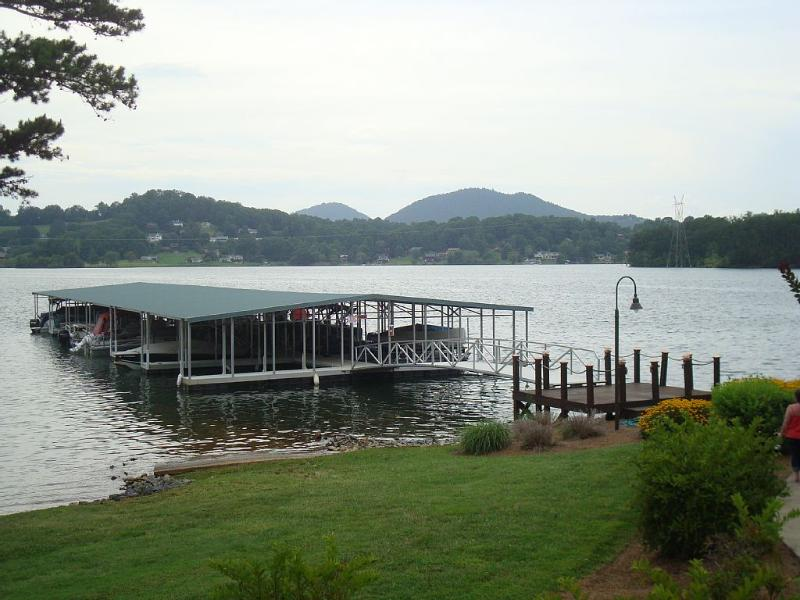 LUXURIOUS 3 BR TOWNHOUSE ON LAKE CHATUGUE W/COVERED BOAT DOCK