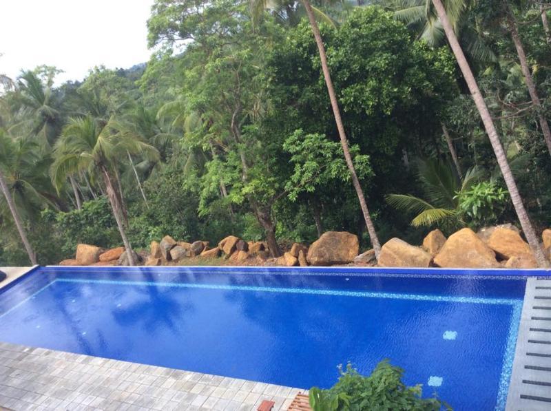30 metre Jungle edge infinity pool villa