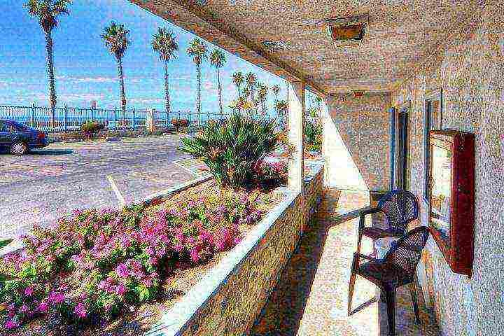 Open patio area for sipping your drinks and enjoying the ocean breezes