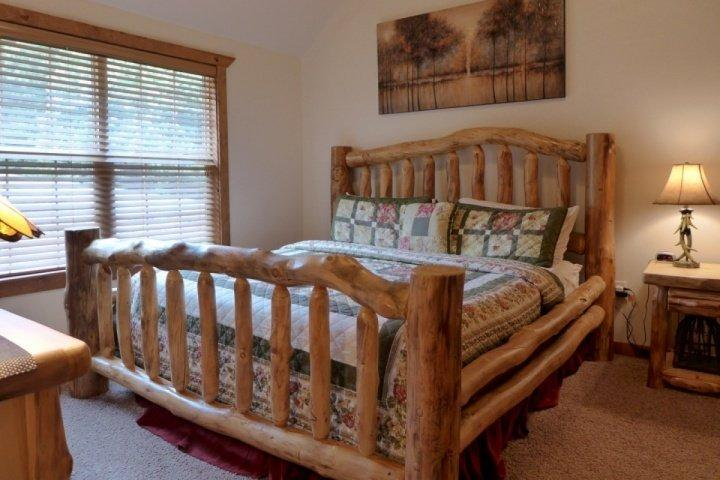 Sovrum med King size-säng