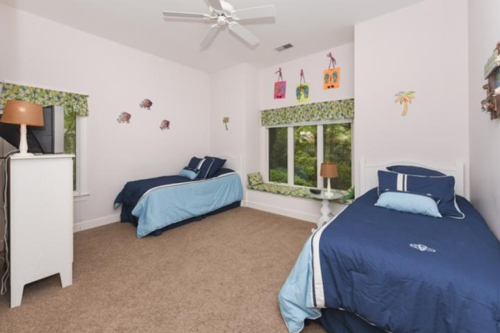 Beautifully appointed 4th Bedroom