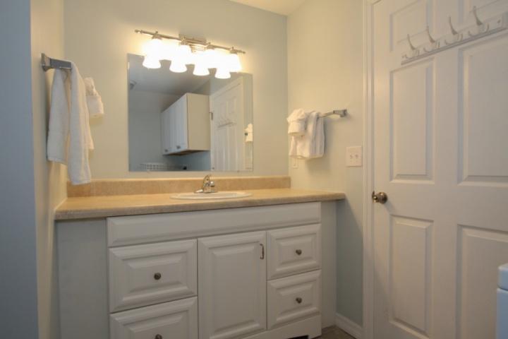 sala de lavado situado entre los dos dormitorios