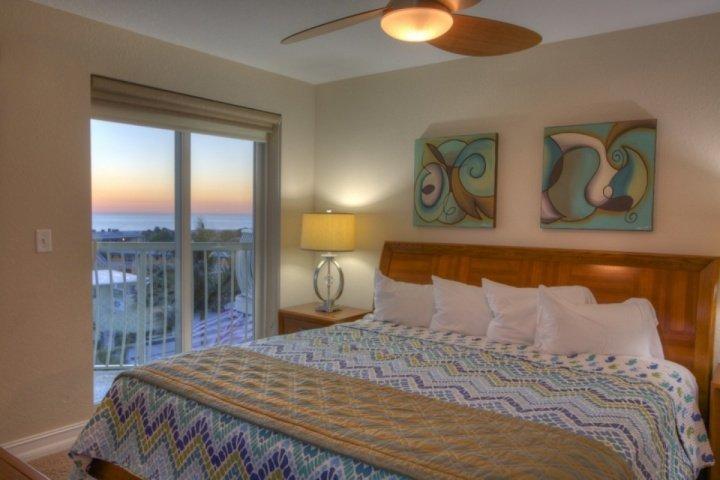 Master En-Suite Chambre avec lit King et balcon accès