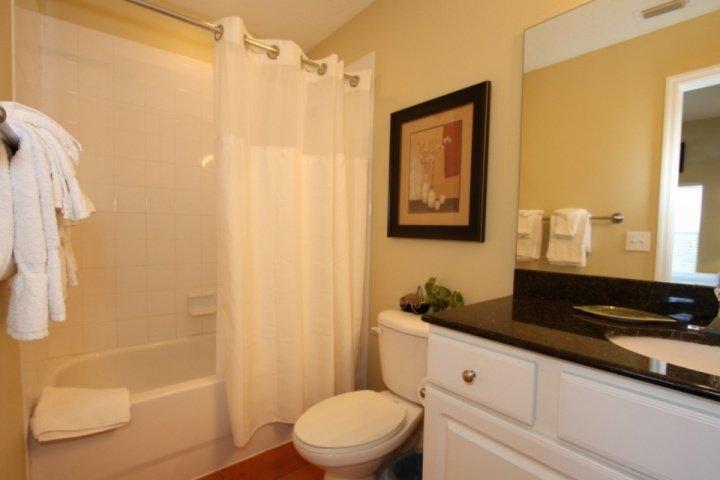 Master bedroom bathroom with tub/shower
