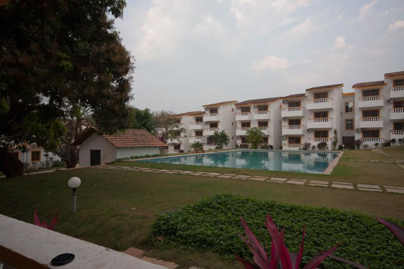 Vista de la piscina desde el balcón