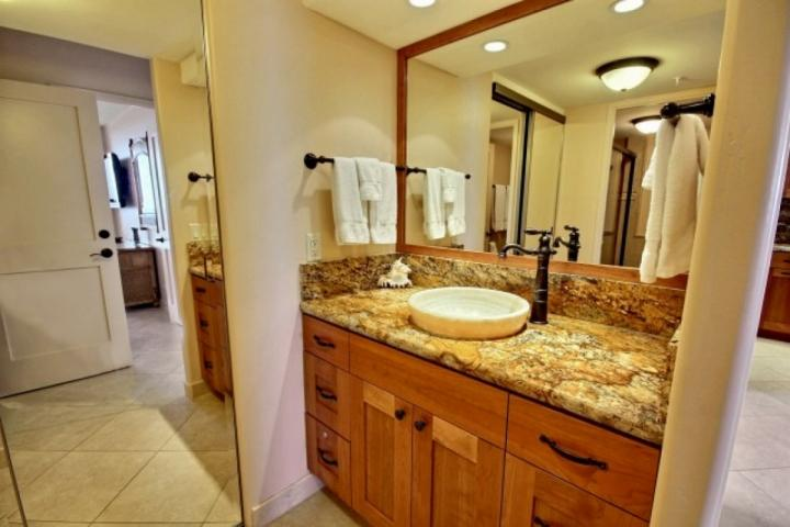Private bath with a lovely vanity
