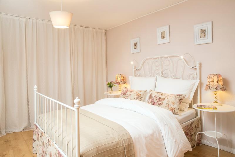Bedroom Bedroom (s)