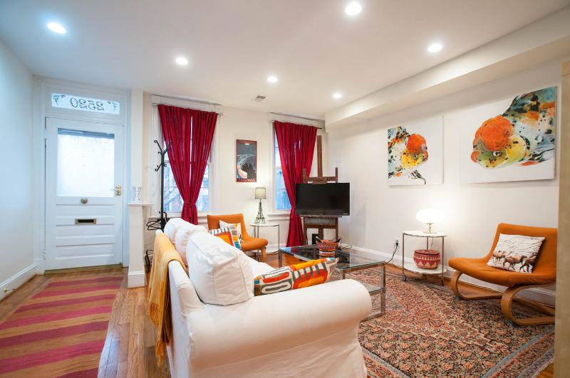 Best Location - In the heart of DC - METRO, vacation rental in Washington DC