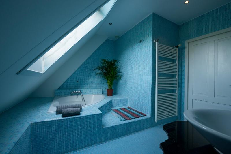 Our tiled ensuite bathroom.